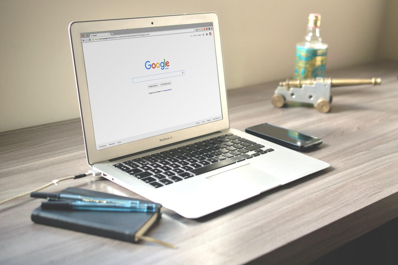 Macbook wiith Google on screen